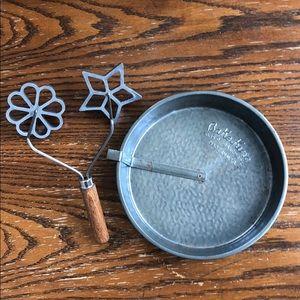 Farmhouse Decor. Bake King pie tin & rosette mold